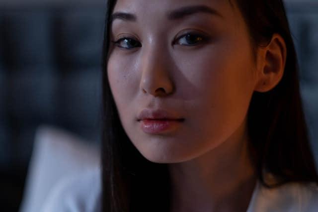 woman-looking-sad